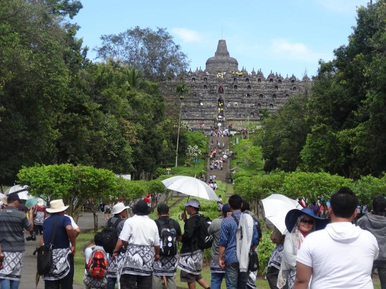 Heading towards the temple