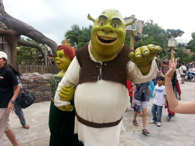 Sometimes you will see Shrek and Fiona (and Puss) come out to meet guests!