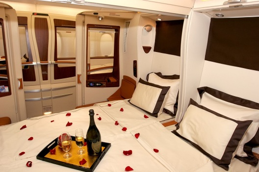 A double bed in the Singapore Airlines A380 First Class Suite