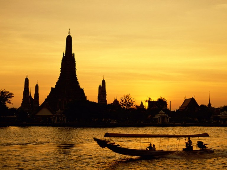 Wat Arun at sunrise