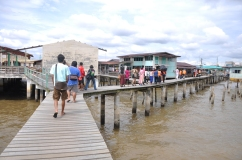Heading into Kampong Ayer