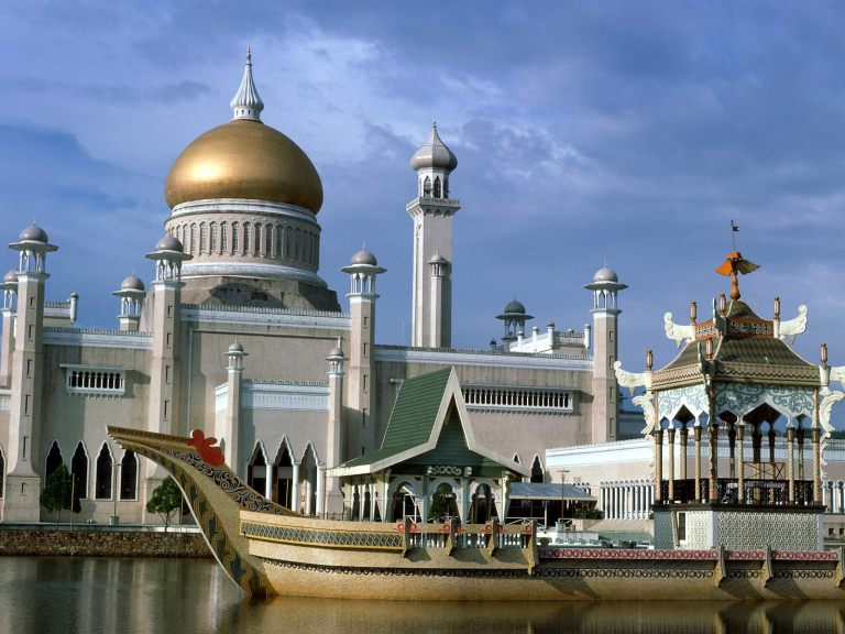 Bandar Seri Begawan's main mosque