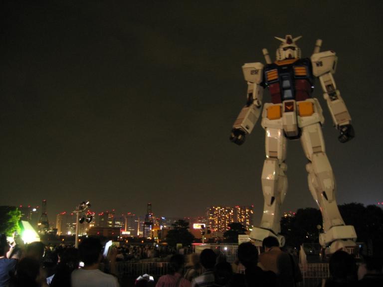 The giant Gundam statue on Odaiba Island