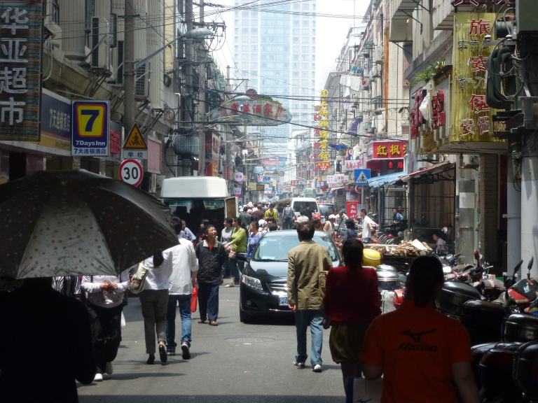This sidestreet off Nanjing Road reminds me of Delhi!