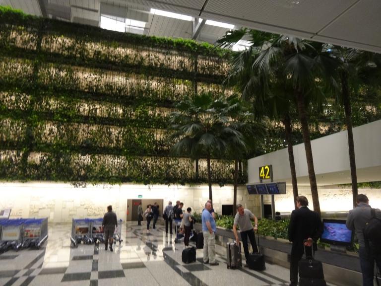 Singapore Airlines Flight SQ317 – backpackerlee
