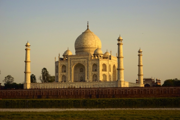 The Taj is only 2 hrs from Delhi