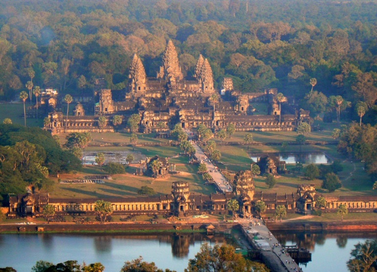 Angkor Wat is a true Wonder of the World (photo: Paradise in The World)
