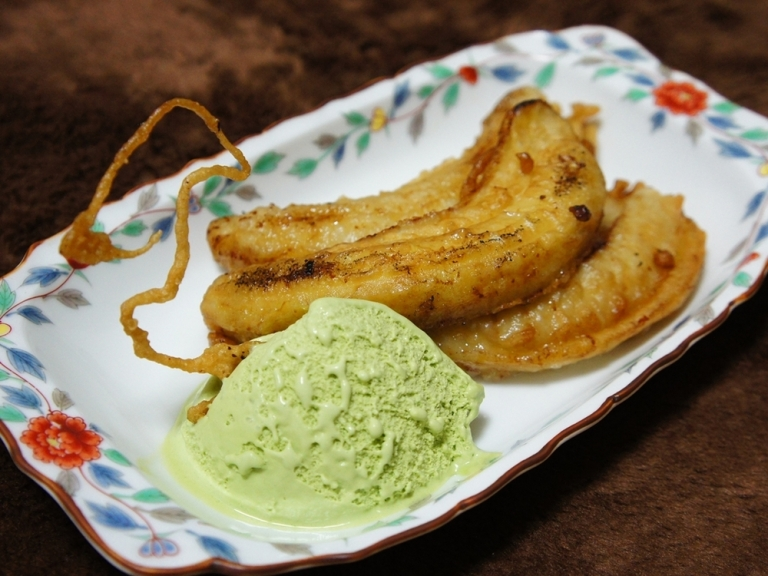 Pisang Goreng is often eaten for dessert with ice cream