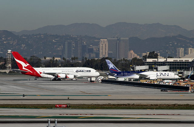 The Airbus A380 Vs The Boeing 787 Dreamliner Backpackerlee