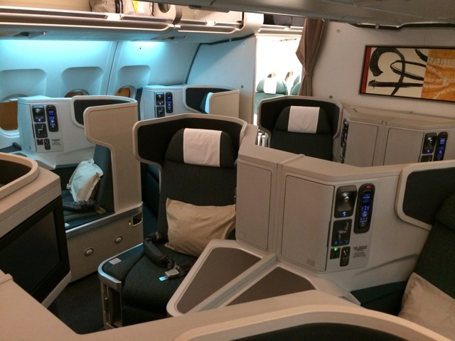 Business Class on Cathay's B777