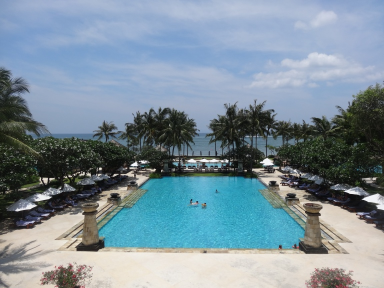 The main pool at the Conrad, with a great sea view!
