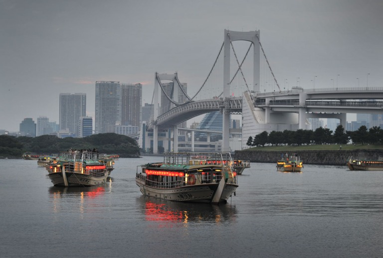 The Rainbow Bridge connects mainland Tokyo to Odaiba Island (photo: Tokyo Bling)