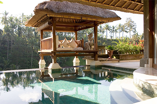 The Viceroy has private pool villas, complete with bales