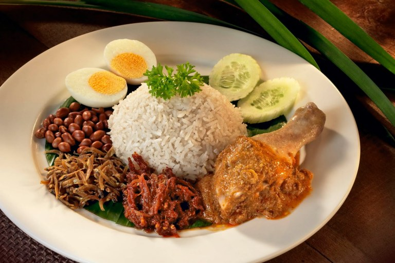 Nasi Lemak (with Ayam Goreng)