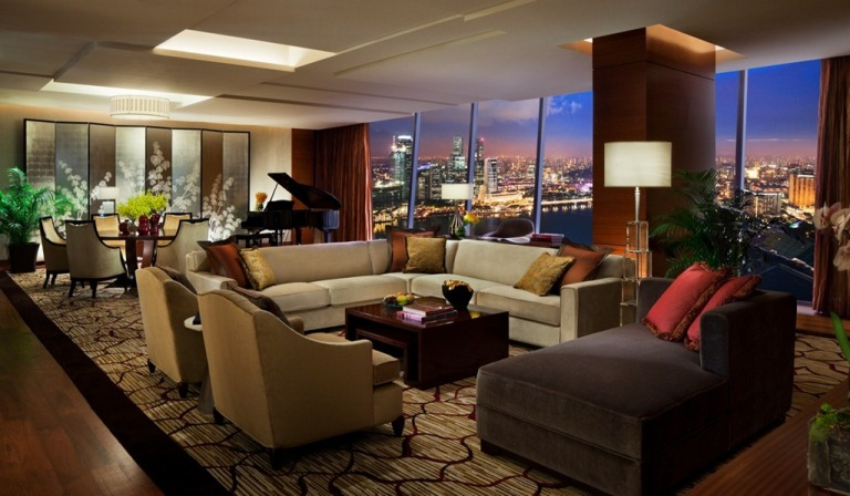The living room of the Chairman Suite