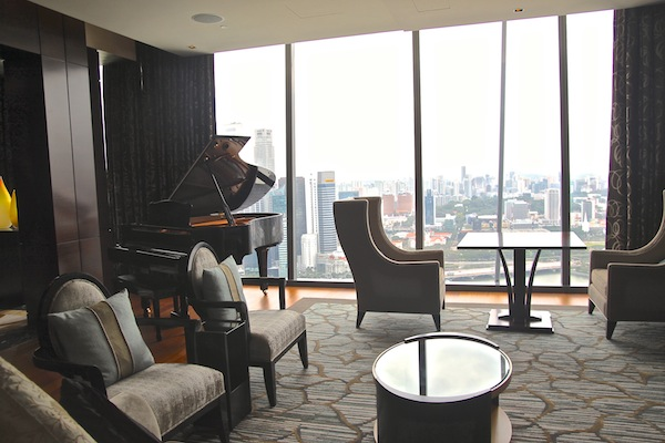 The baby grand of the Presidential Suite