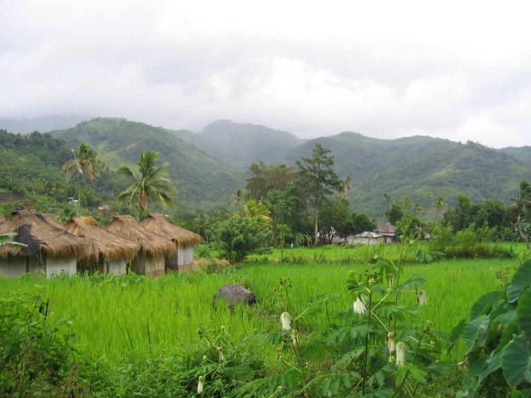 Moni is the closest settlement to Mount Kelimutu