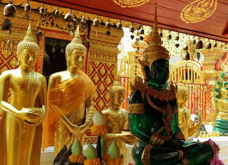 The Emerald Buddha (and Golden cousins!) in Wat Phra Thet Doi Suthep