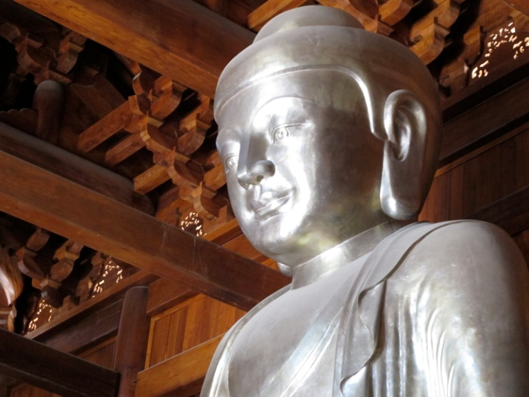 Buddha all around you at Jing'an