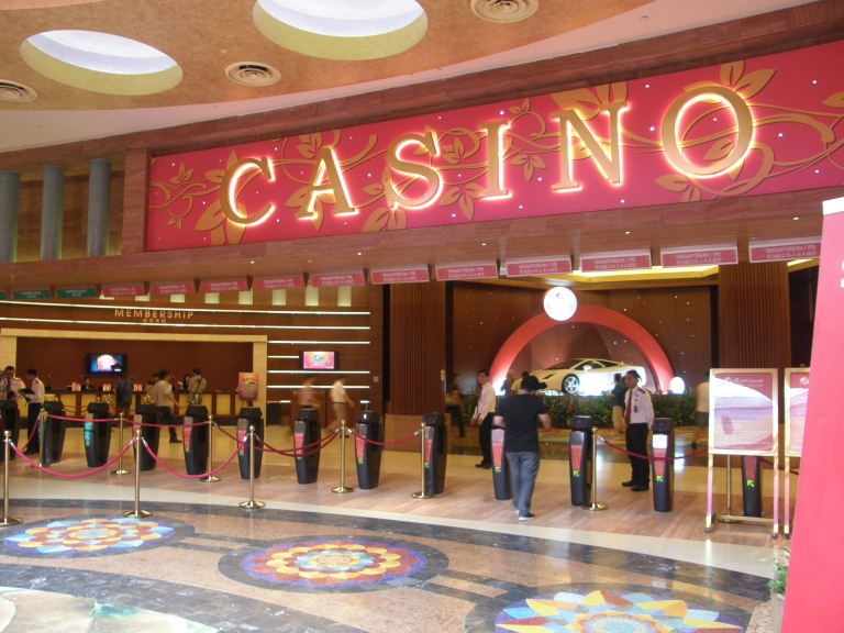 Been to Resorts World Sentosa Casino? Share your experiences!