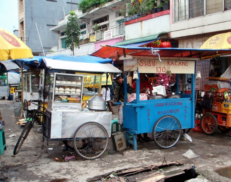Warungs sell street food across Indonesia