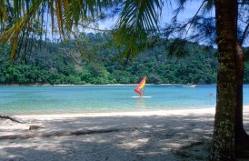 Beaches and watersports in Sabah