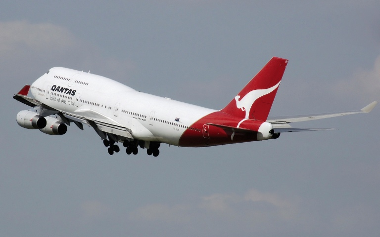 Qantas B747 taking off from Sydney