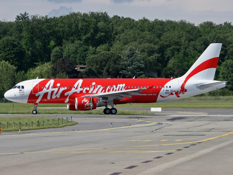 Thai Air Asia ply the route cheaply from Bangkok Don Mueang Airport to Chiang Mai