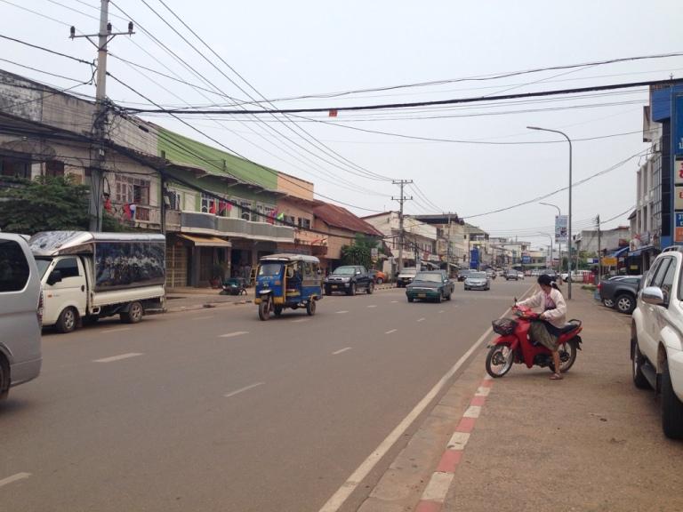Sleepy (!) roads of Vientiane