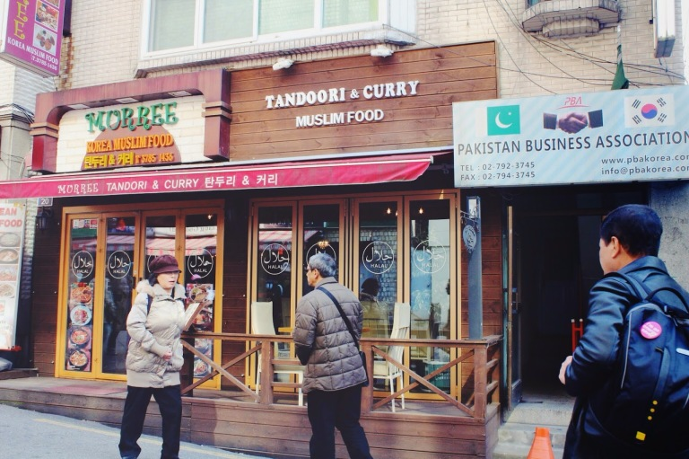 There were also lots of Indian restaurants in Itaewon