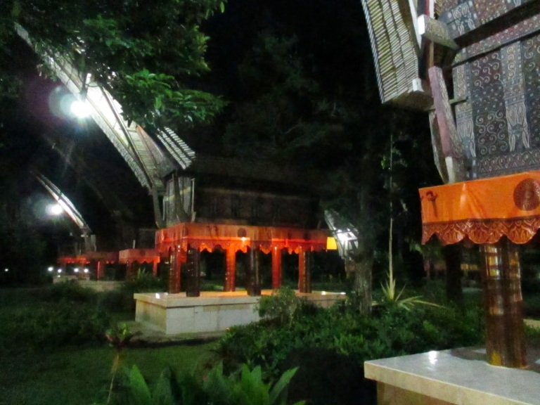The Tongkonan suites at night