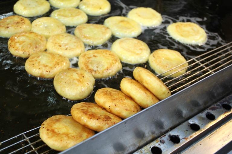 Freshly baked Hotteok at Namdaemun Market