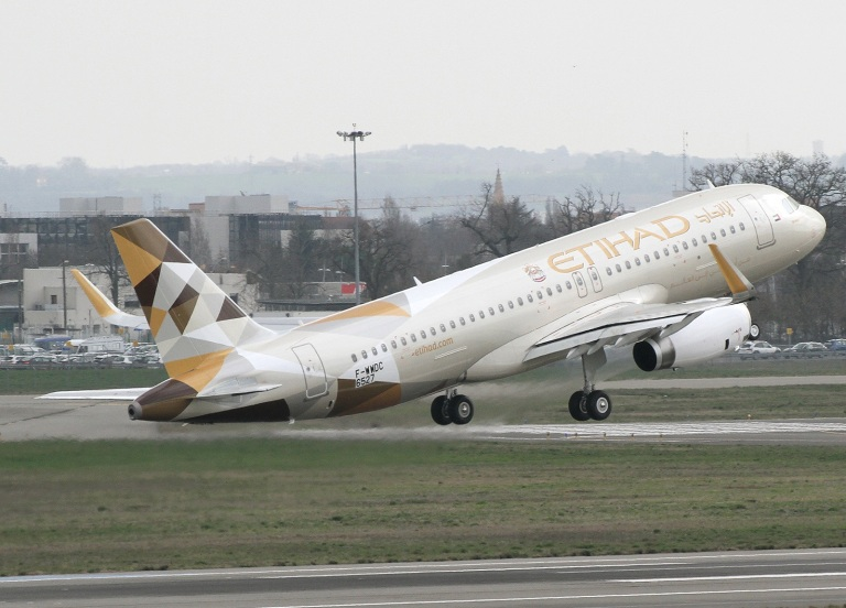 The A320 in Etihad colours
