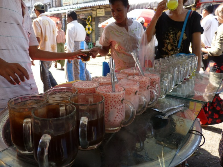 Falooda guarantees the crowds in Yangon!
