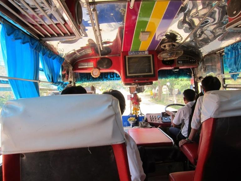 chiangraiborderbus4