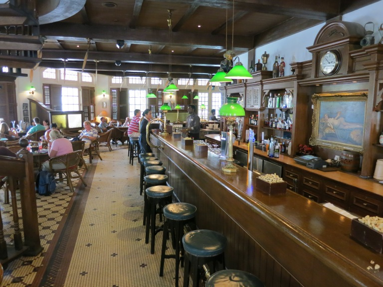 Raffles Hotel A Long Face At The Long Bar Backpackerlee