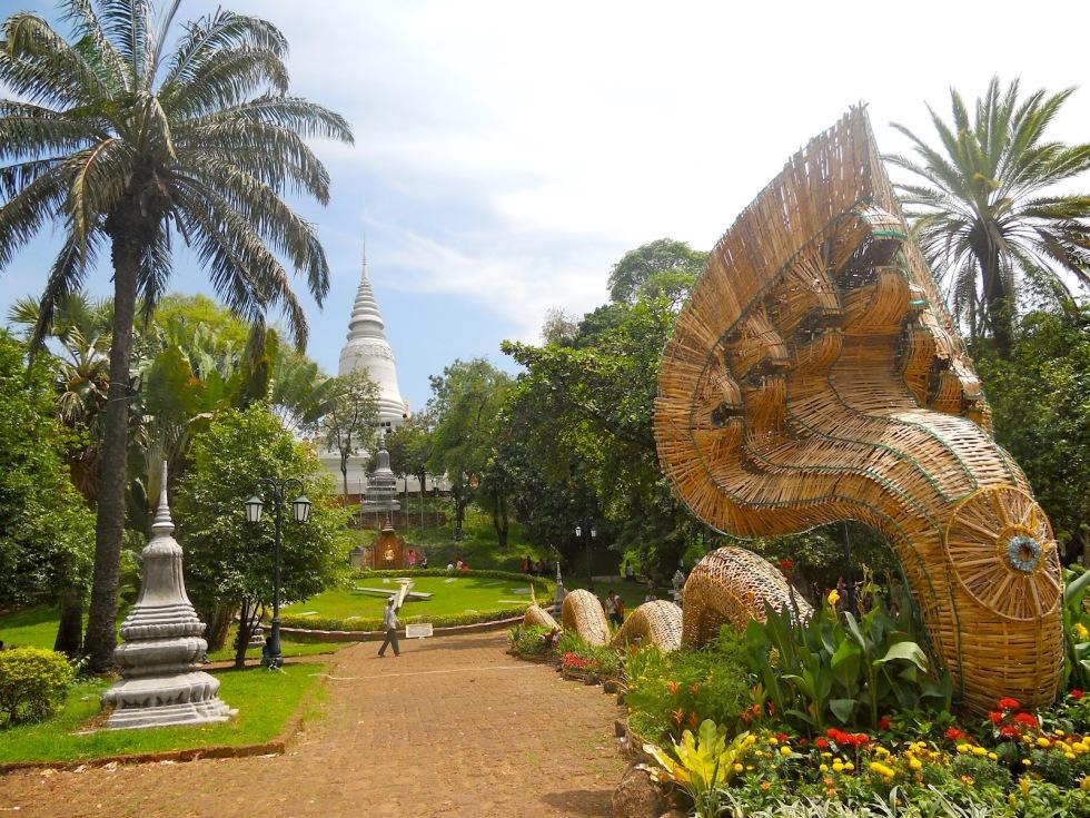 The best temple in Phnom Penh is Wat Phnom