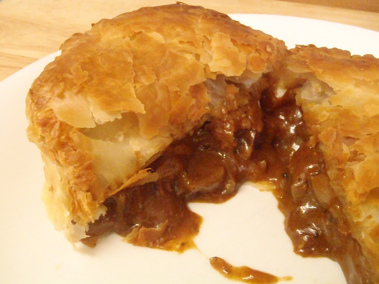 The warm and crumbly Steak & Kidney Pie is the most famous pie in Britain!