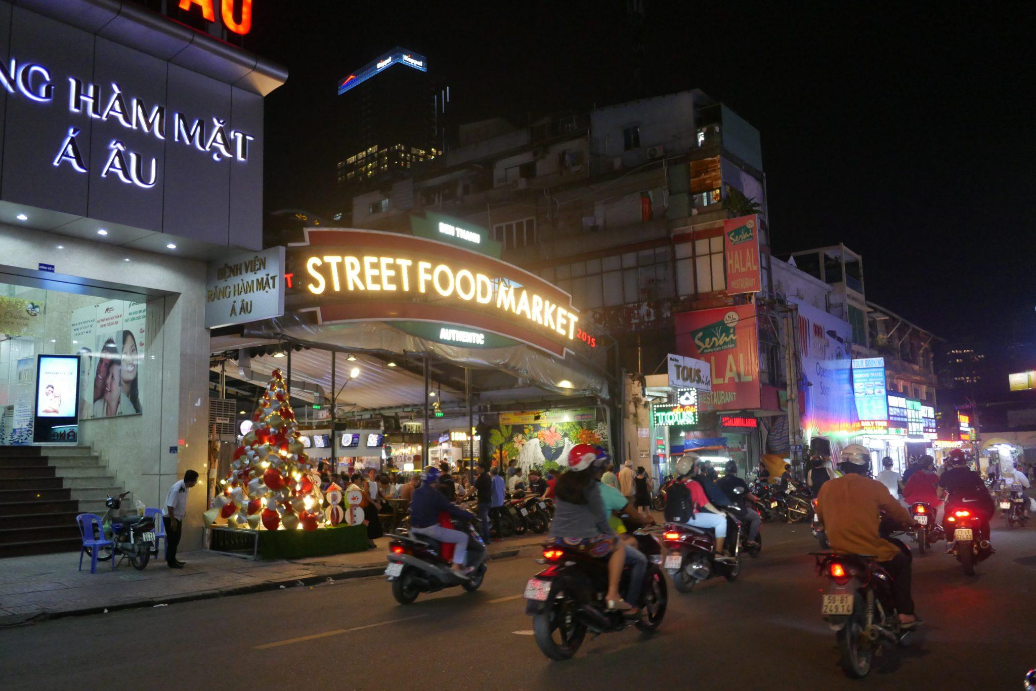 Ben Thanh Market: Street Food Paradise