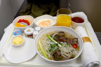 Business Class meal on Vietnam Airlines